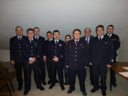 Beförderungen (von links nach rechts): P.-R. Schüttler, L. Schüttler, R. Kleimeyer, C. Fischer, L. Schüttler, S. Rehberg, J. P. Usbeck, Dr. N. Beltz, M. Dörr, S. Kompauer